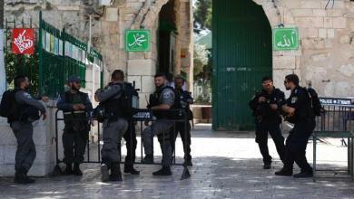 Photo of إعادة فتح أبواب المسجد الأقصى بعد مواجهات واعتقالات
