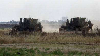 Photo of آليات الاحتلال تتوغل شرق خانيونس بشكل محدود
