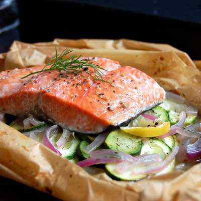 Dill and Lemon Baked Salmon in Parchment