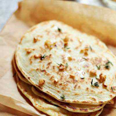 Easy Paleo Garlic Naan Bread