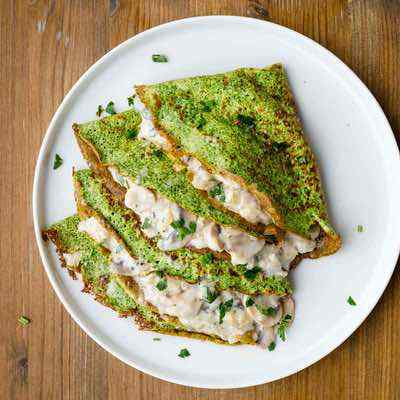 Spinach Crepes with Creamy Mushroom Filling