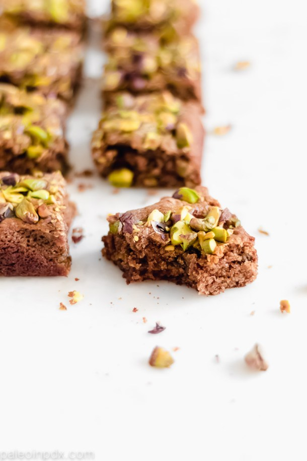 Flourless tahini pistachio blondies