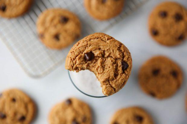 PaleOMG Collagen Chocolate Chip Cookies