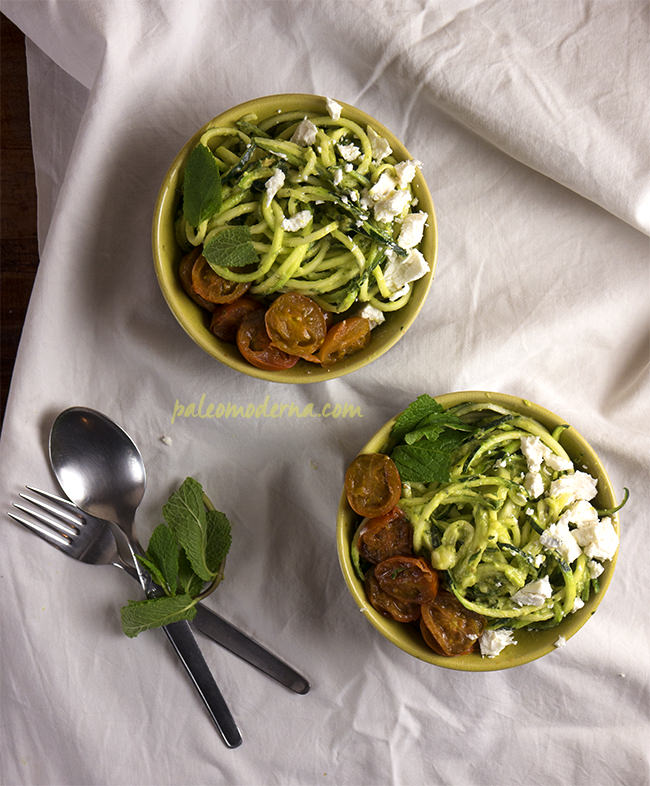 espaguettis de calabacin con aguacate_mini