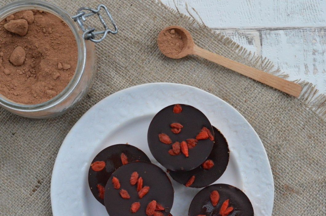 Vegan chocolate superfood cup