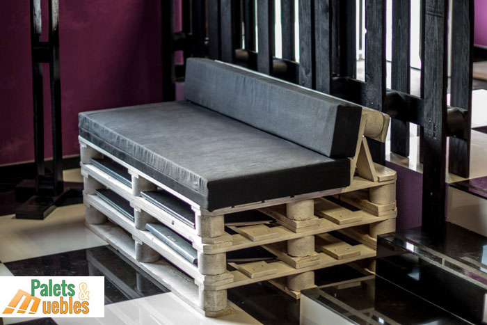 Sof fabricado con palets de madera palets y muebles - Sofas con palets ...