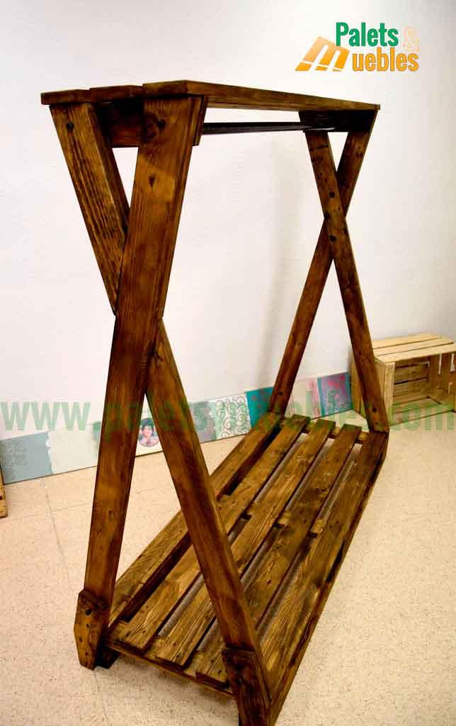 Perchero para ropa con palets palets y muebles - Imagenes de percheros de madera ...