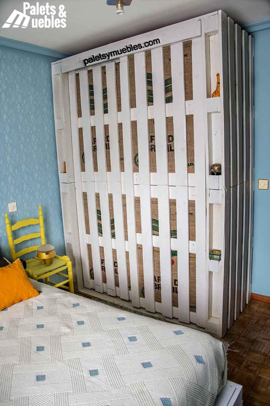 Dormitorio con palet armario hecho de palets  PALETS Y