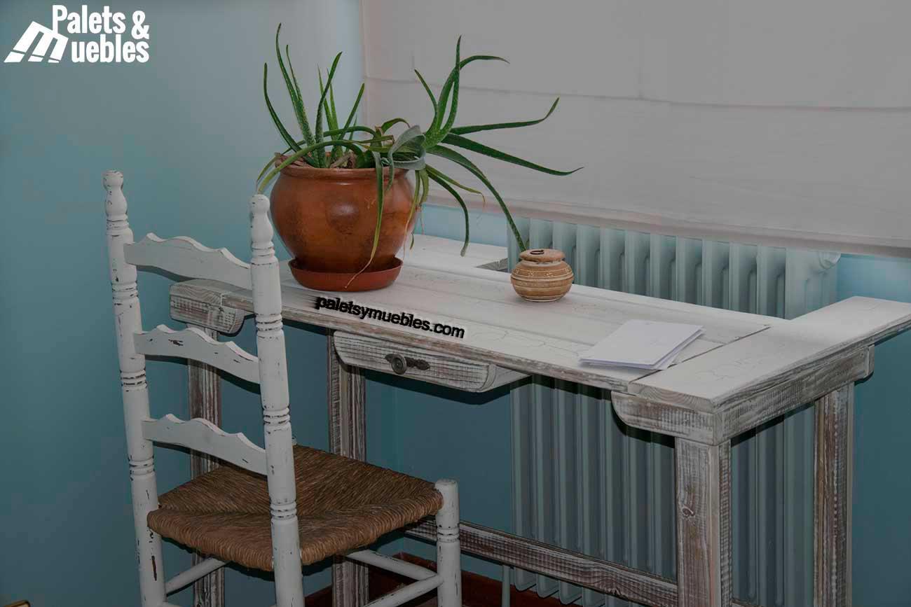 Pintura Craquelada Para Muebles : Dormitorio con palets y elementos reciclados