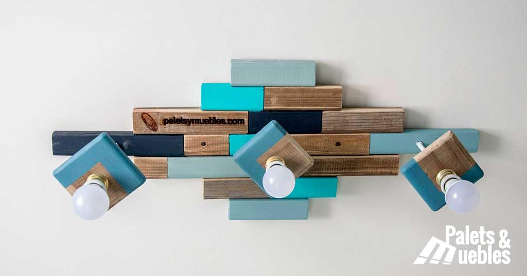 Dormitorio con palets y elementos reciclados palets y - Lamparas con palets ...