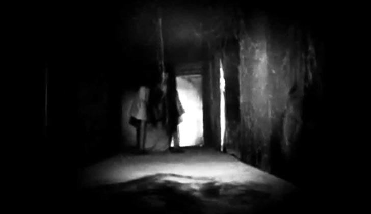 Permainan Memanggil Hantu