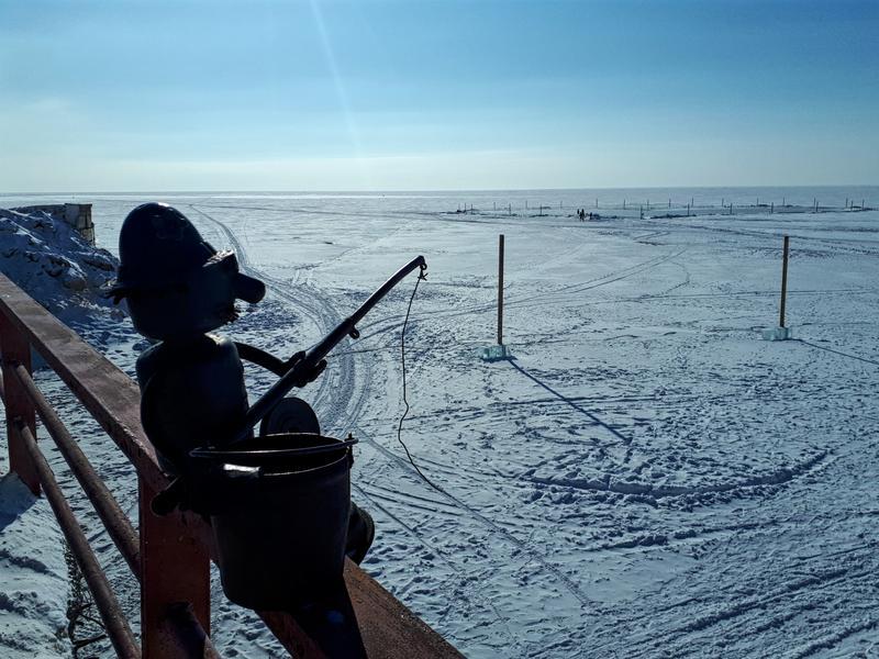 statue fisherman lake baikal winter trip report