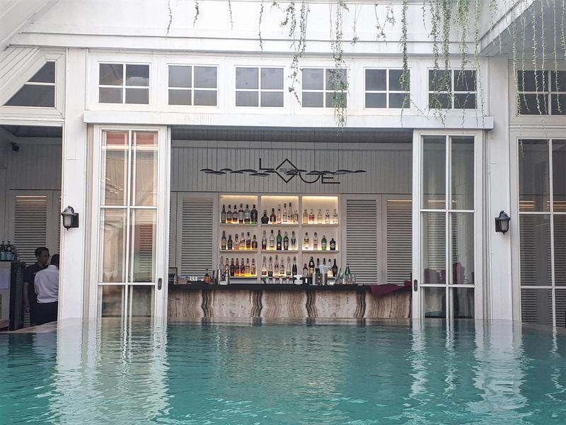 hermitage pool bar