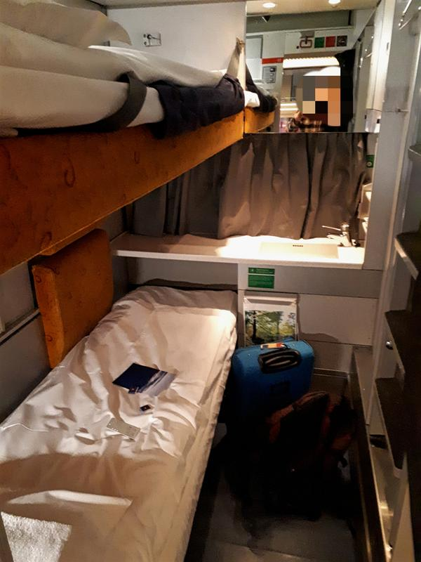norway train compartment
