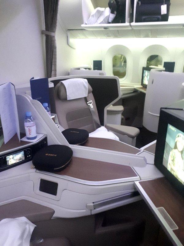 saudia business class seat