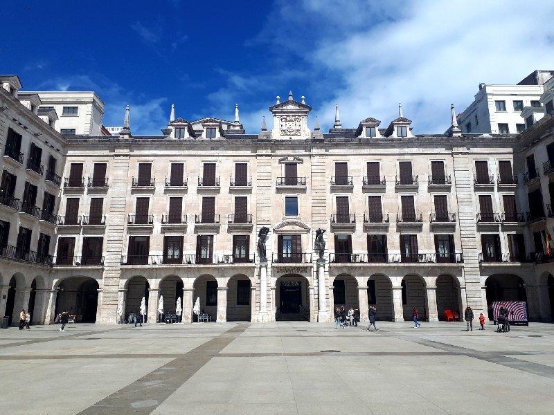 santander plaza porticada plaza mayor