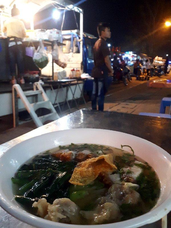 noodles night market vientiane