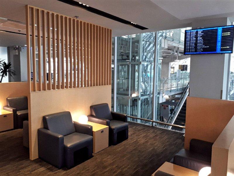 seating air france klm lounge bangkok