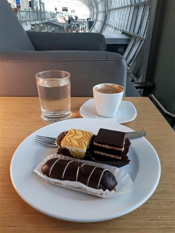 sweets lounge dessert