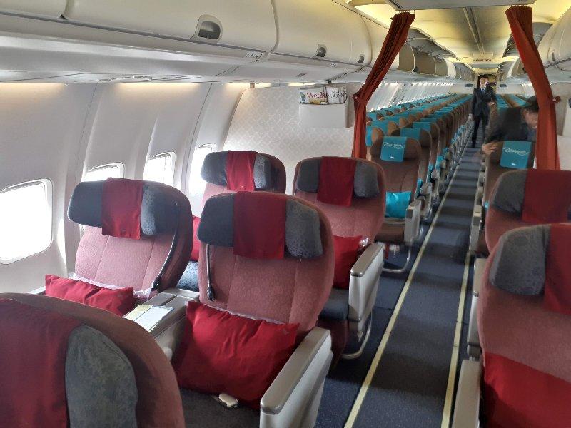 boeing 737 garuda indonesia business class review