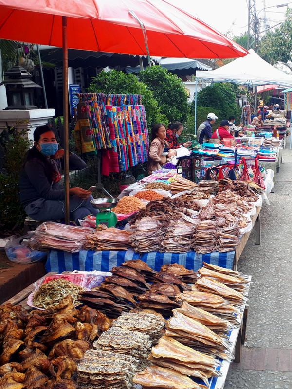 fish morning market luang prabang