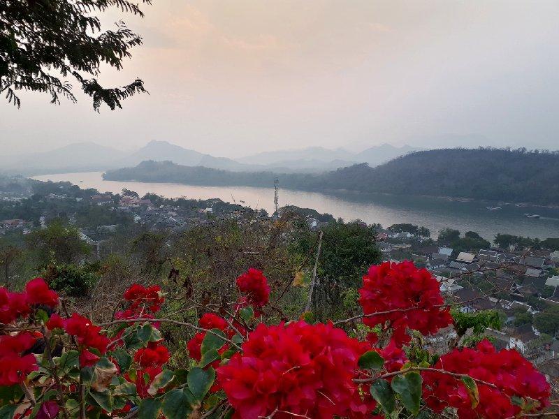 phousi hill sunset luang prabang mekong trip report