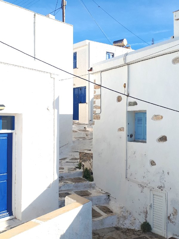 hora serifos cycladic whitewashed