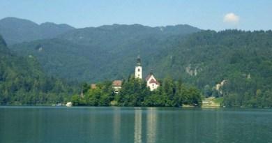 slovenia lake bled corona tourism