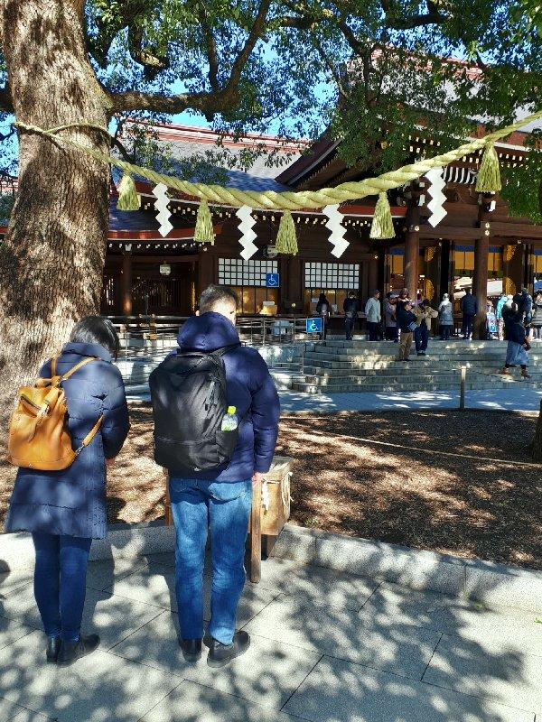worshippers meiji shrine
