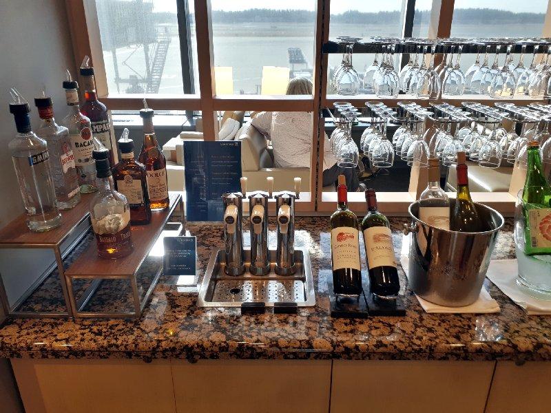 alcohol drinks united club tokyo narita review