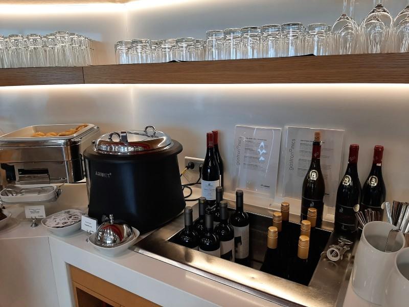 aegean lounge wine