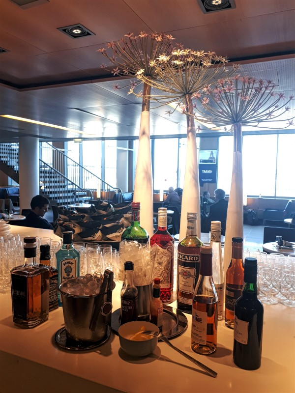 air france lounge alcohol