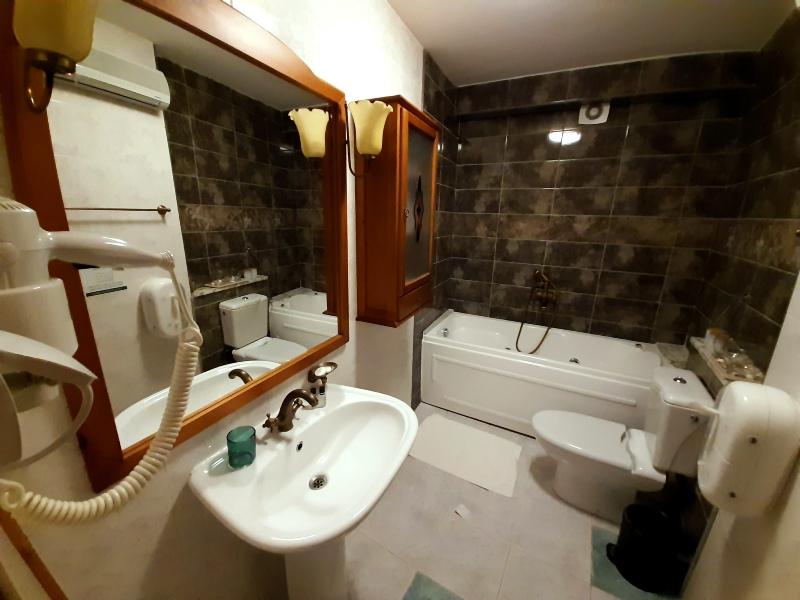 merchant's room palazzo drusko bathroom