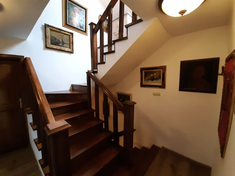 palazzo drusko stairs review