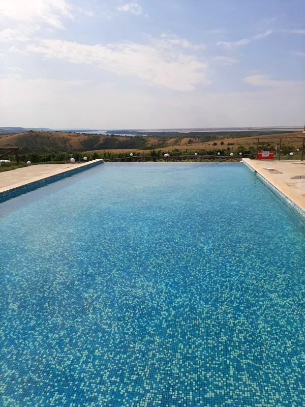 danube river view pool