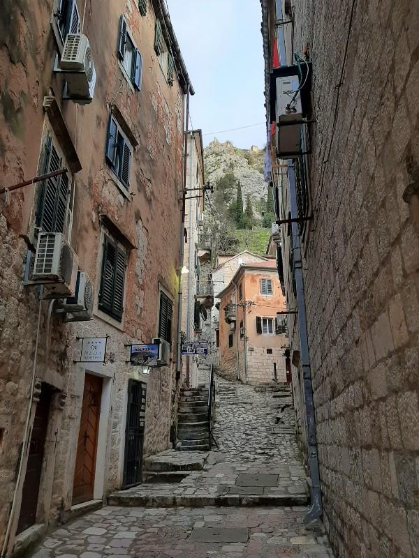 street kotor mountain
