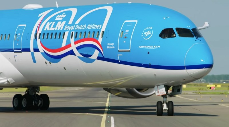 klm dreamliner 787 salary