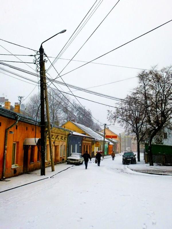 chernivtsi train passport snow