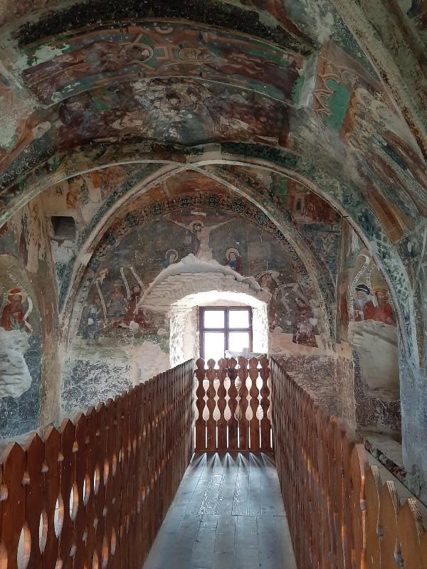frescoes chapel tower honigberg