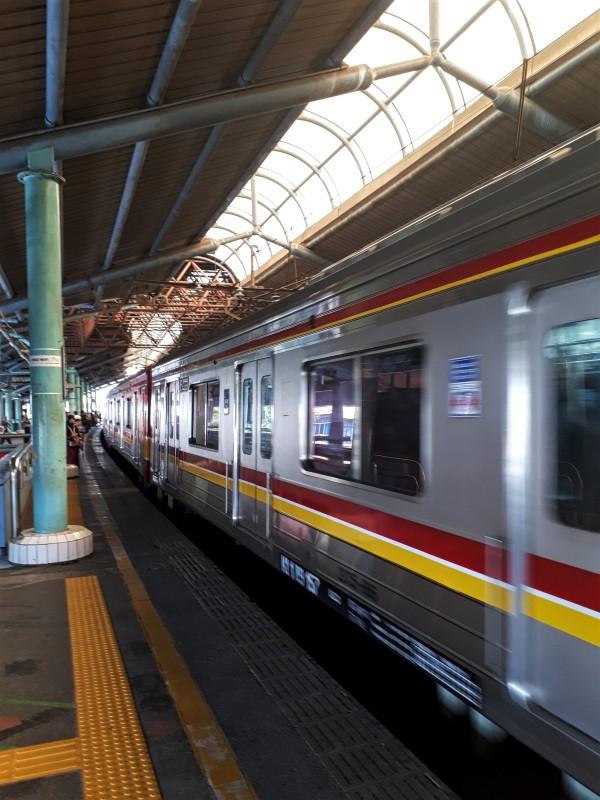 commuter train jakarta indonesia