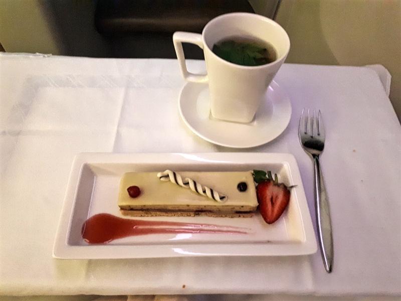 dessert saudia business class riyadh jakarta flight boeing 777 review