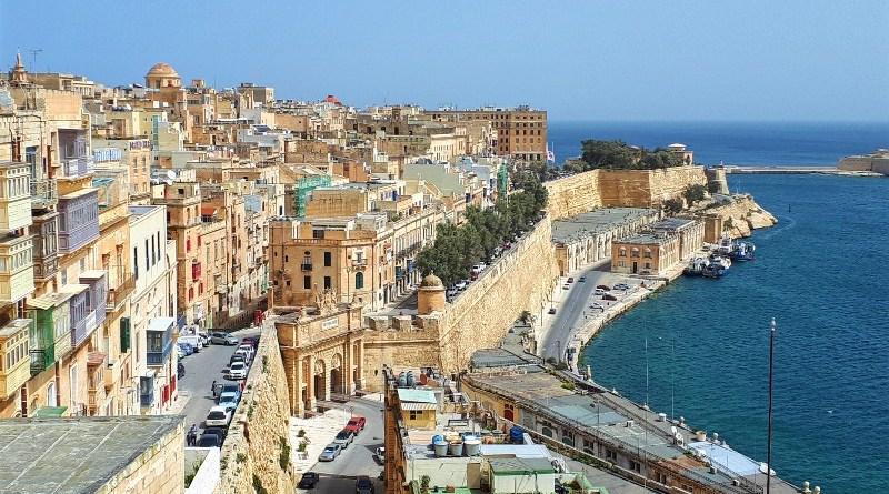 malta visit holiday cash