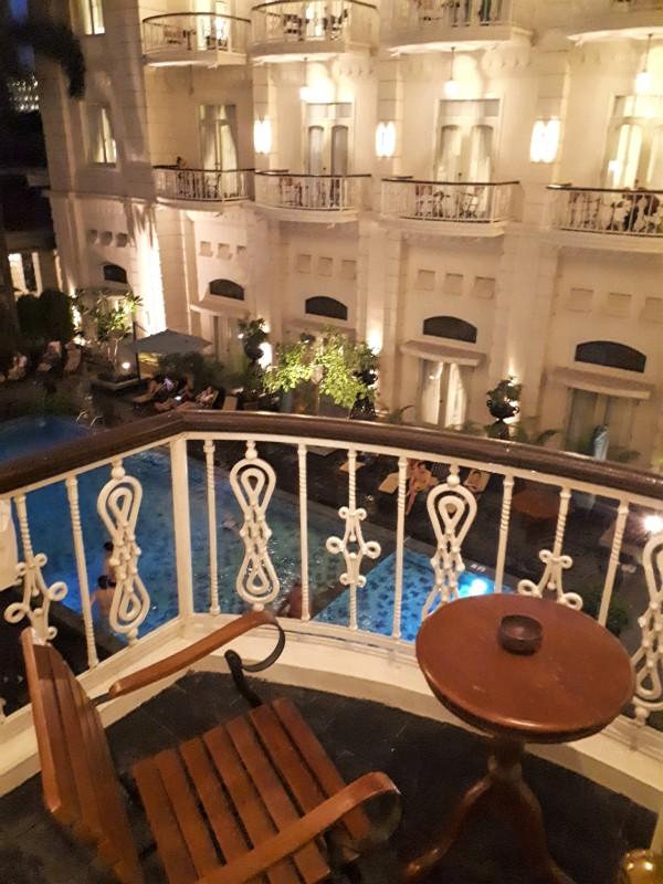 balcony seat