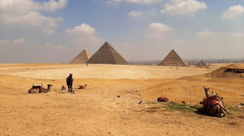 giza pyramid view