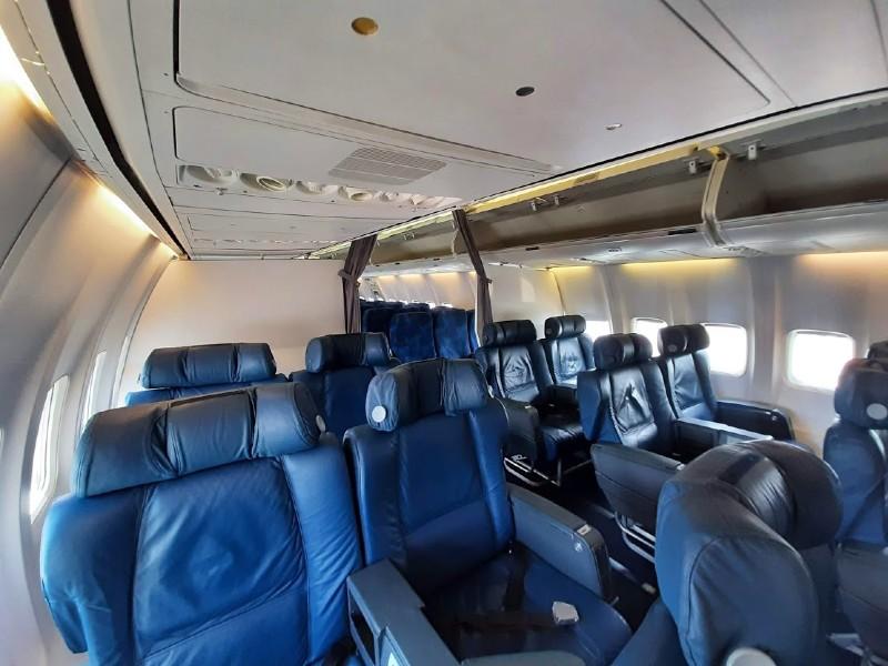 tarom business class boeing 737-700