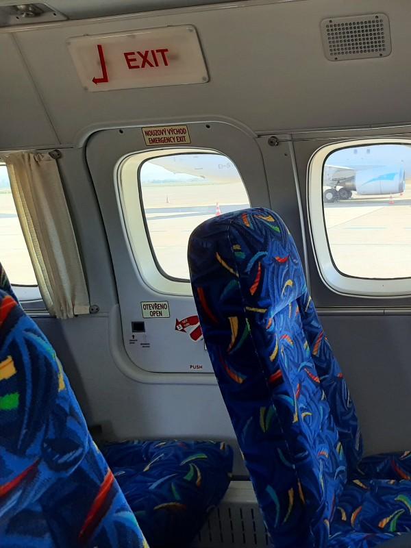 emergency exit let l-410 turbolet trade air