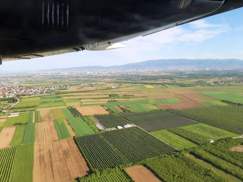 zagreb take-off trade air let l-410 turbolet