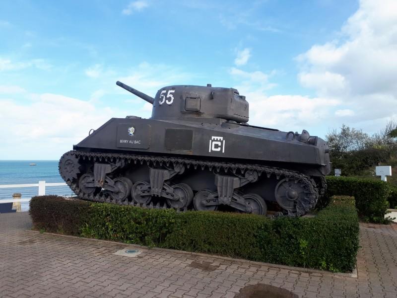 sherman tank arromanches