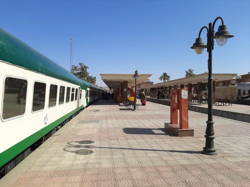 aswan station ernst watania sleeping train