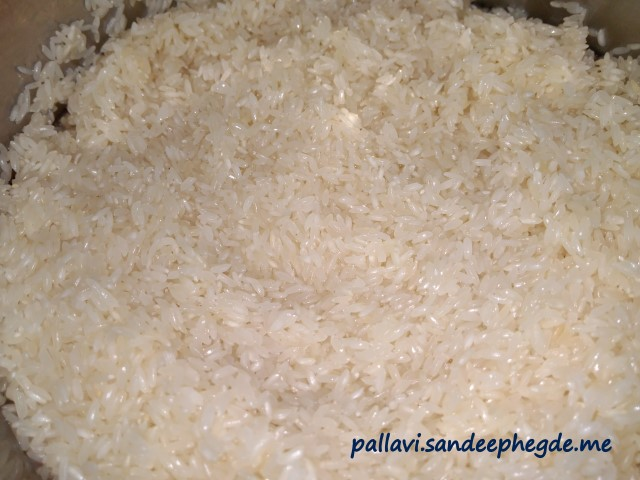 Vegetable Pulao: Soaked rice after draining